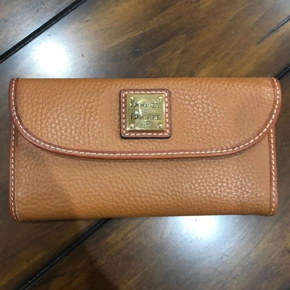 Dooney & Bourke Handbags - Dooney & bourke pebble continental wallet caramel